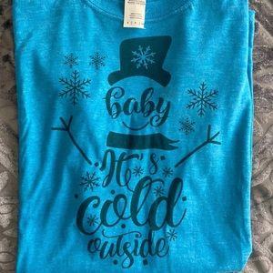 Women's winter graphic t-shirt